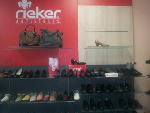 688ac7c5d9b5 Největší výběr zdravotní obuvi v Plzni je pro Vás připravený v samostatném  obchodě v Sedláčkově 32. Ucelený program zdravotně vycházkové obuvi je  zastoupený ...